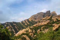 Montserrat vaggar nära den Montserrat abbotskloster, Catalonia Fotografering för Bildbyråer