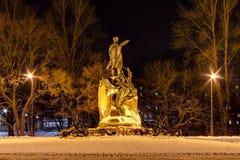 Monument à amiral Makarov la nuit, HDR Image libre de droits