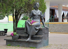 Monument à l'actrice soviétique célèbre Nonna Mordyukova dans Yeysk Image libre de droits