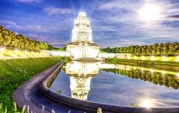 Monument à la bataille des nations la nuit, Leipzig, Allemagne photos libres de droits