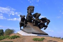 Monument à la voiture légendaire de Cosaque, symbolisant la victoire dans le combat contre les envahisseurs photographie stock
