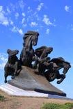 Monument à la voiture légendaire de Cosaque, symbolisant la victoire dans le combat contre les envahisseurs images stock