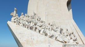 Monument à la vue de côté de découvertes Images stock