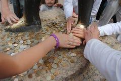 Monument à Neptune dans Peterhof Photos stock