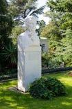 Monument aan Christian Steven De Botanische tuin van Nikitsky stock afbeelding