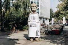 Monument aan de ingezetene van Muenster genoemd Paul Wolfe Hij wijdde zijn leven aan de strijd tegen Nazisme stock foto's