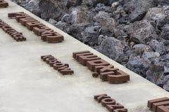 Monument aan de slachtoffers van het Nazi German-uitroeiingskamp, BeÅ 'Å ¼ de EG, Polen stock afbeelding