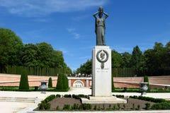 Monument aan Jacinto Benavente in het Park van Buen Retiro, Madrid, Spanje stock afbeelding