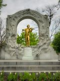 Monument aan Johann Strauss in Stadpark royalty-vrije stock foto