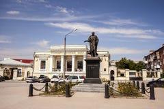 Monument aan Keizer Alexander Eerste in Alexander Square in de stad van Taganrog, Rostov-Gebied, Rusland, 4 Augustus, 2016 Royalty-vrije Stock Foto's