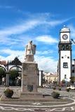 Monument aan ontdekkingsreiziger Goncalo Velho Cabral op het belangrijkste vierkant Stock Foto's