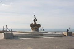 Monument aan Sovjetvalschermjagers - Geldschieterskanon met de gepantserde Vloot van de de vlootzwarte zee van BKA 73 Azov, die stock foto's