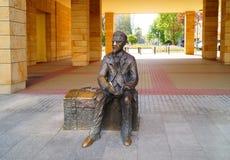 Monument aan Wladyslaw Reymont (1867-1925), een Poolse romanschrijver en een de Nobelprijslaureaat van 1924 in Lodzte Stock Fotografie