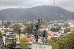 Monument au fondateur du tsar Vakhtang Gorgasali de ville photographie stock