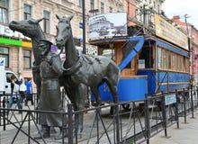 Monument au tram de cheval - au premier tram St Petersburg Images libres de droits