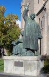 Monument aux frères Pétri dans Orebro photo stock