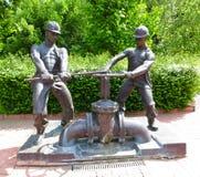 Monument aux plombiers dans Kremenchuk photo libre de droits