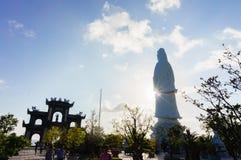 Monument av bodhisattvaen på kullen, Da Nang, Vietnam Arkivbild