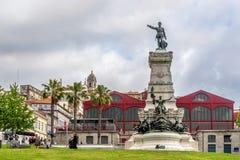 Monument av Henry navigatören i Porto - Portugal Arkivfoton