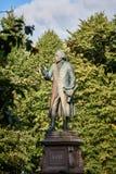 Monument av Immanuel Kant Kaliningrad arkivbilder