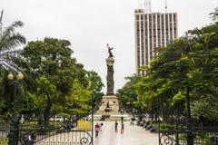 Monument av Los Proceres i plazaen Centenario Guayaquil Arkivbild