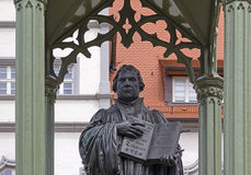 Monument av Martin Luther i Wittenberg Royaltyfria Bilder