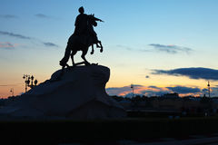 Monument av Peter första i St Petersburg Arkivfoton