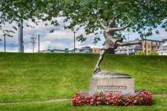 Monument av Sonja Henie - norsk konståkare och filmstjärna Royaltyfri Bild