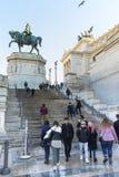 Monument av Victor Emmanuel II på piazza Venezia i Rome Royaltyfri Fotografi