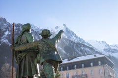 Monument in Chamonix in den französischen Alpen Stockfotos