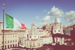 Monument commémoratif le Vittoriano ou l'autel de la patrie, dedans Photographie stock libre de droits