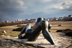 Monument d'action contraire et de liberté en parc commémoratif Sumarice en Serbie photos libres de droits