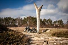 Monument d'action contraire et de liberté en parc commémoratif Sumarice en Serbie image libre de droits