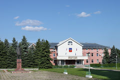 Monument de bâtiment administratif de Lénine et de Suzdal Image stock