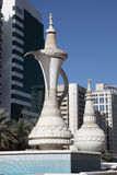 Monument de bac de café en Abu Dhabi photo stock