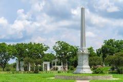 Monument de champ de bataille de Fannin un après-midi nuageux et ensoleillé Image stock