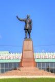 Monument de Felix Dzerzhinsky vis-à-vis de gare ferroviaire Images libres de droits