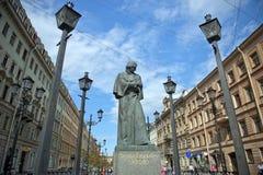 Monument de Gogol dans le St Petersbourg Image libre de droits