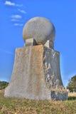 Monument de granit dans le cimetière Images libres de droits