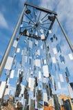 Monument de Riga aux arbres de Noël Photographie stock libre de droits