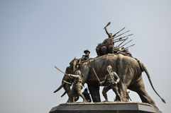 Monument de Suriyothai Photos stock