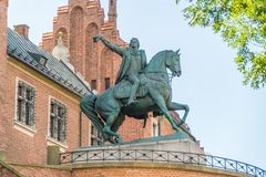 Monument de Tadeusz Kosciuszko près de l'entrée à Wawel célèbre Ca image libre de droits