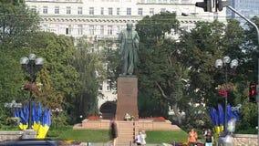 Monument de Taras Shevchenko à Kiev banque de vidéos