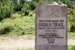 Monument de traînée d'Indiens de plaines - jardin des dieux le Colorado Images libres de droits