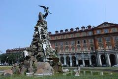 Monument de Turin au tunnel de Frejus dans Statuto carré Photos libres de droits