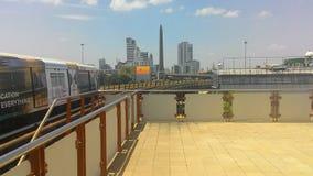 Monument de victoire de train de ciel Photographie stock libre de droits