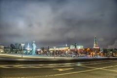 Monument de Vladimir à Moscou la nuit Photographie stock libre de droits