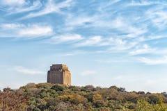 Monument de Voortrekker comme vu du fort Schanskop image libre de droits