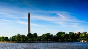 Monument de Washington dans le coucher du soleil Image libre de droits