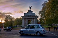 Monument de Wellington Arch à Londres, R-U Images libres de droits